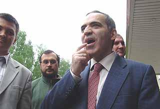 Гарри Каспарову палец в рот не клади. Но выступить в роли лидера Объединенного гражданского фронта пока не особенно получается.