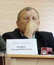 Председатель рескома профсоюзов Евгений Орлов считает, что вопросы о пенсионных отчислениях должны решаться не в суде.